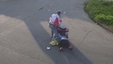 Photo of Loma Hermosa: detuvieron a un sospechoso de arrastrar a una mujer con la moto en un asalto